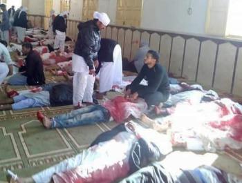 اكثر من 155 قتيل و120 جريح في أنفجار مسجد سيناء
