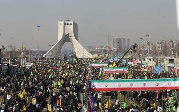 الملايين تحيي ذكرى الثورة في ايران