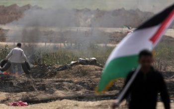 الحدود بين غزة والإراضي المحتلة تحترق