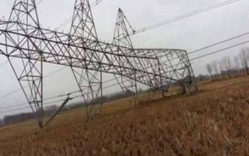 طالبان تقطع الكهرباء بضرب عامود في بغلان