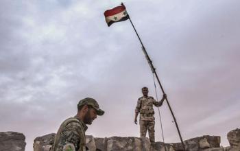 سوريا: الجيش يدخل مخيم اليرموك ويرفع علمه