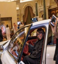 Saudi King: Women can drive like men in all parts of the country