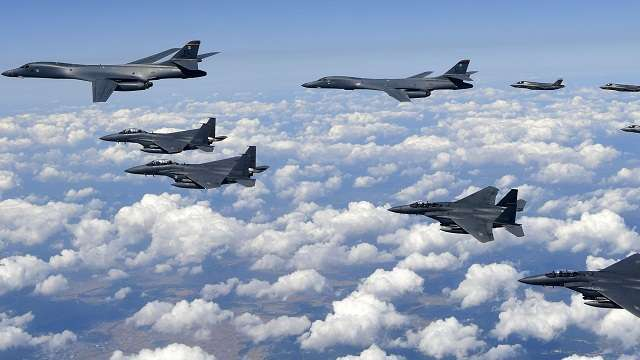 U.S. flies bombers over Korean Peninsula as Trump discusses options