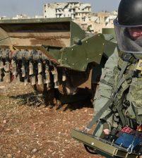 Более тысячи, взрывоопасных предметов обезвредили в Алеппо российские сапёры за неделю