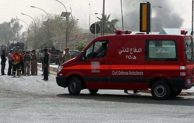 При взрыве террориста- смертника в Багдаде восемь человек погибли и ранены