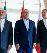 Началась встреча глав МИД России, Турции и Ирана по Сирии в Анталье
