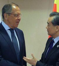 Проблему Корейского полуострова и ситуацию в Сирии обсудили главы МИД Китая и России