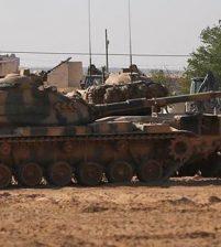 Турция перебросила военную технику к границе с Сирией