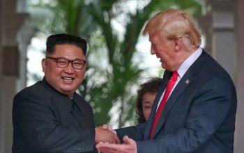 Ким Чен Ын и Дональд Трамп в расширенном формате начали саммит