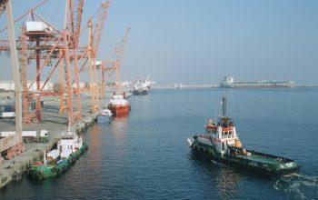 В в порту Фуджейра в ОАЭ произошли взрывы