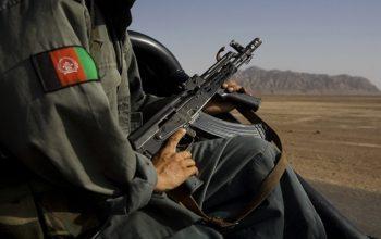 یک سرباز نظم عامه در ولایت غور 5 همکارش را گلوله باران کرد