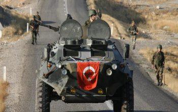 ارتش ترکیه برای عملیات نظامی در عفرین سوریه آمادگی میگیرند