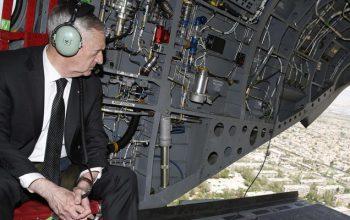 جمیز ماتیس وزیر دفاع آمریکا در یک سفر اعلام ناشده وارد کابل شد