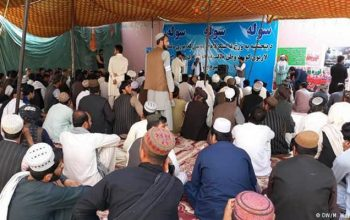 عالمان دین در هلمند: طالبان را به گفتگو وادار می کنیم