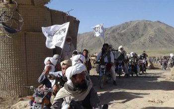 گروه تروریستی طالبان از یک مرکز ثبت نام رایدهندگان 5 تن را ربودند
