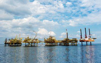 شرکت نفت روسی به سبب تحریم ها پروژه توسعه ای خود رادر ایران متوقف کرده است