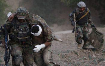 گروه تروریستی طالبان با سقوط دادن سه پوسته امنیتی در فاریاب 6 سرباز اردو را به قتل رسانده اند