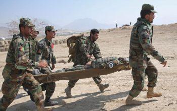 اجساد پوسیده سربازان از کمپ چیناییها بعد از 2 روز به مزار منتقل شد