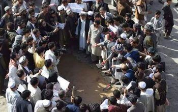 اعتراض باشندگان جوزجان از حیف ومیل شدن پروژه های انکشافی