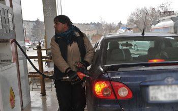 بی کفایتی دولت در تنظیم قیمت نفت و گاز