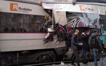 برخورد دو قطار در اسپانیا بیش از 100 کشته و زخمی برجا گذاشت