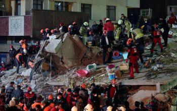 فروریختن یک ساختمان هشت طبقه در استانبول