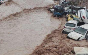 سیلاب در ایران نزدیک به 100 کشته و زخمی برجا گذاشته است