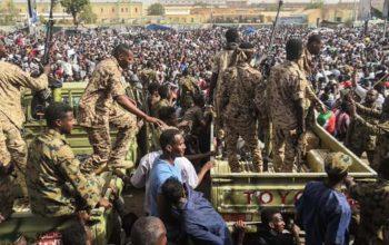 دیپلوماتان امریکایی، سودان را ترک می کنند