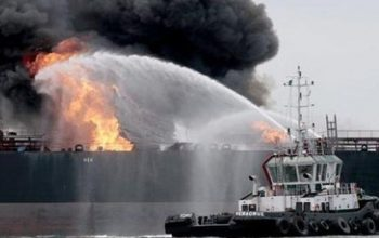 کشتی های نفتکش جاپان و پاناما در دریای عمان هدف قرار گرفتند