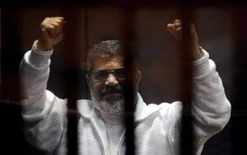 محمد مرسی در دادگاه جان باخت
