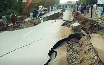 زلزله مرگبار در پاکستان، بیش از 450 کشته و زخمی برجا گذاشت