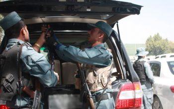 حمل سلاح و تردد موترهای شیشه سیاه باید قانونی شود