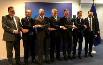 امریکا و اروپا بر آغاز مذاکرات صلح بین الافغانی تاکید کردند