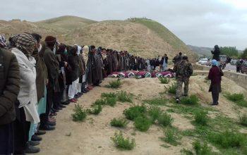 سران طالبان در حال گفتگو؛ افرادشان در حال کشتار هدفمند هزاره ها