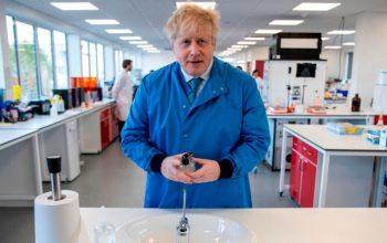 نخست وزیر انگلستان به شفاخانه منتقل شد