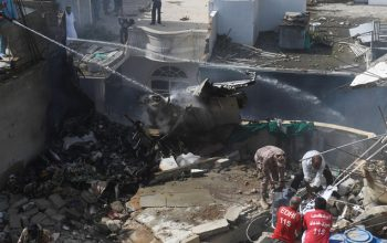 سقوط هواپیمای مسافربری پاکستان با ۹۹ سرنشین