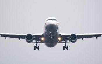 استقبال از مسافرین نخستین پرواز بعد از کرونای کابل ـ مشهد
