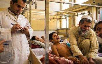 نقش عمده امریکا در کشتار کودکان؛ ۷۰ کودک در ۱۰ حمله هوایی در افغانستان کشته شد