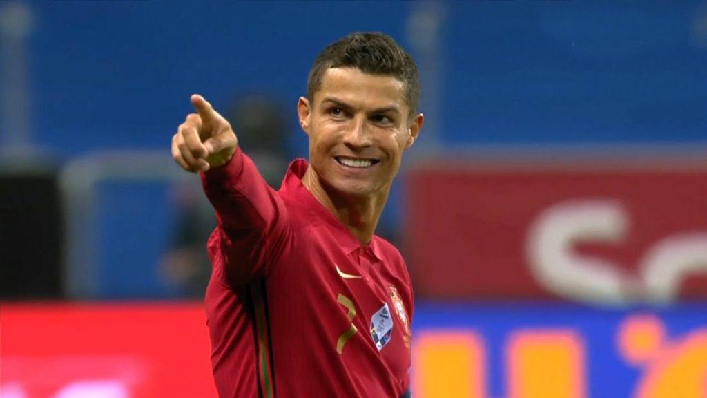 کریستیانو رونالدو، فوق ستاره فوتبال پرتگال از مرز صد گول ملی گذشت